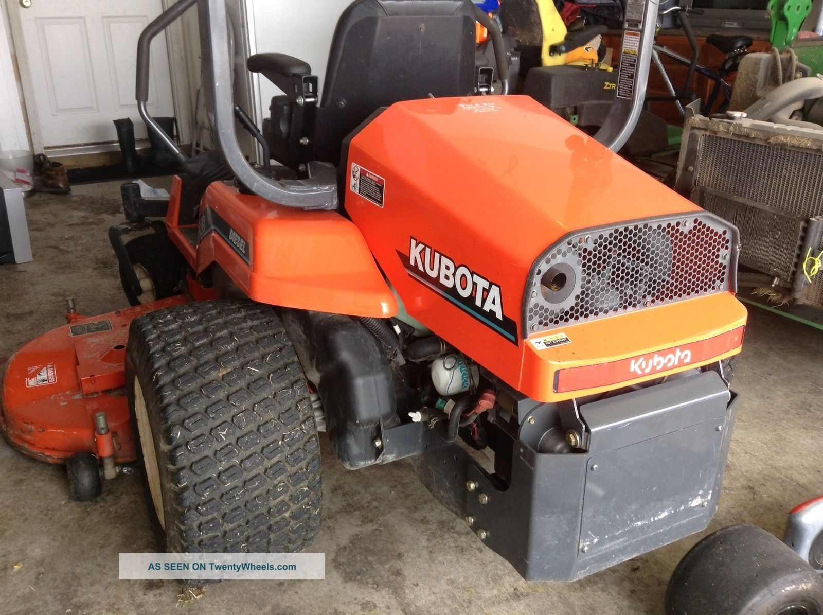 Kubota Zd 28 Zero Turn Mower Tractors photo