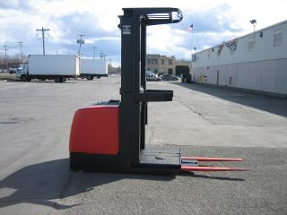 2000 Raymond Forklift Order Picker 2200lb Capacity 10 ' Lift Very 42