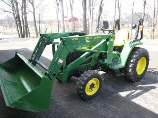 John Deere 4400 4x4 Compact With 1060 Hrs Priced To Sell photo