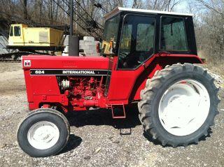684 International Tractor photo