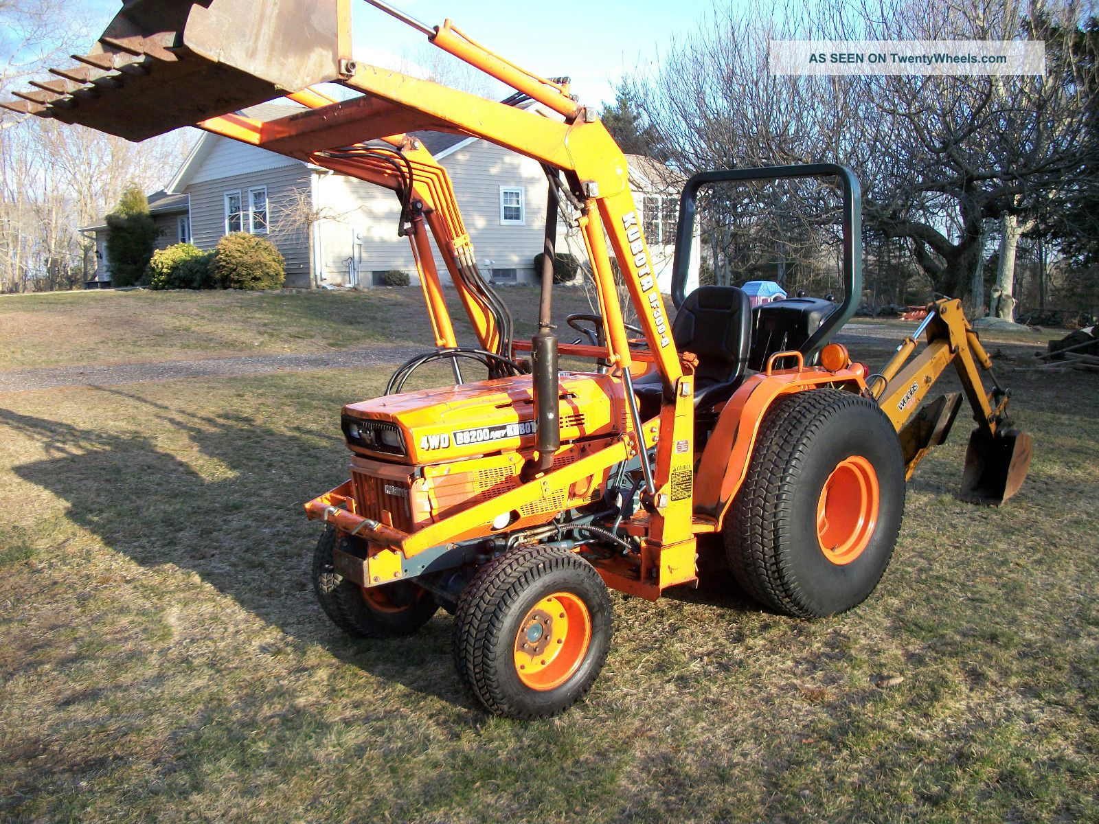 Kubota B8200 Tractor Loader Backhoe Rare Hydrostatic With