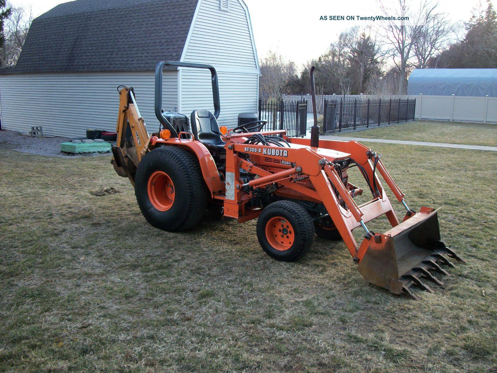 Kubota B8200 Tractor Loader Backhoe Rare Hydrostatic With