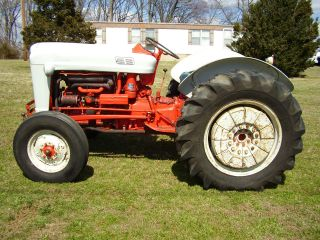 Orignal Ford 800 2wd 5 Speed Tractor photo