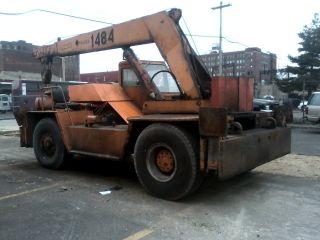 Silent Hoist Model Faz Industrial Hydraulic Yard Crane,  Diesel Powered,  12 Ton photo