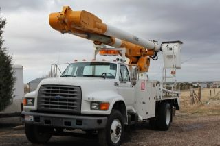 1995 Ford F - 800 Altec Am600h photo