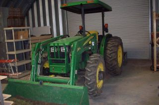 John Deere 5205 4x4 Tractor With 522 Loader photo