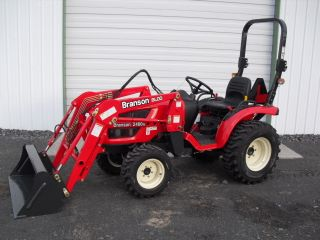 Branson 2400 H Tractor photo