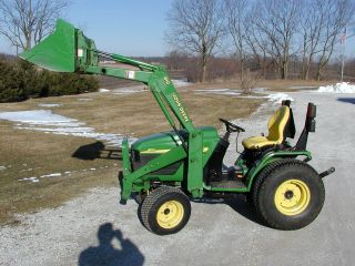 John Deere 4110 Utility Tractor With Front End Loader photo