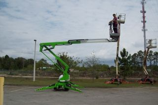 Nifty Td34t 40 ' Track Boom Lift,  40 ' Work Height,  4000 Lbs,  Climbs 60% Grade,  New2013 photo