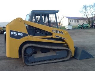 Gehl Ctl80 Rubber Track Skid Loader Tractor Bob Cat Diesel Payloader Ctl 80 photo