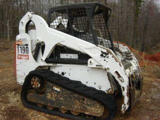2007 Bobcat T190 One Owner Machine 90% Undercarriage photo