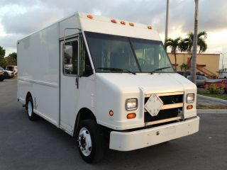 1996 Freightliner M - Series14ft Box photo