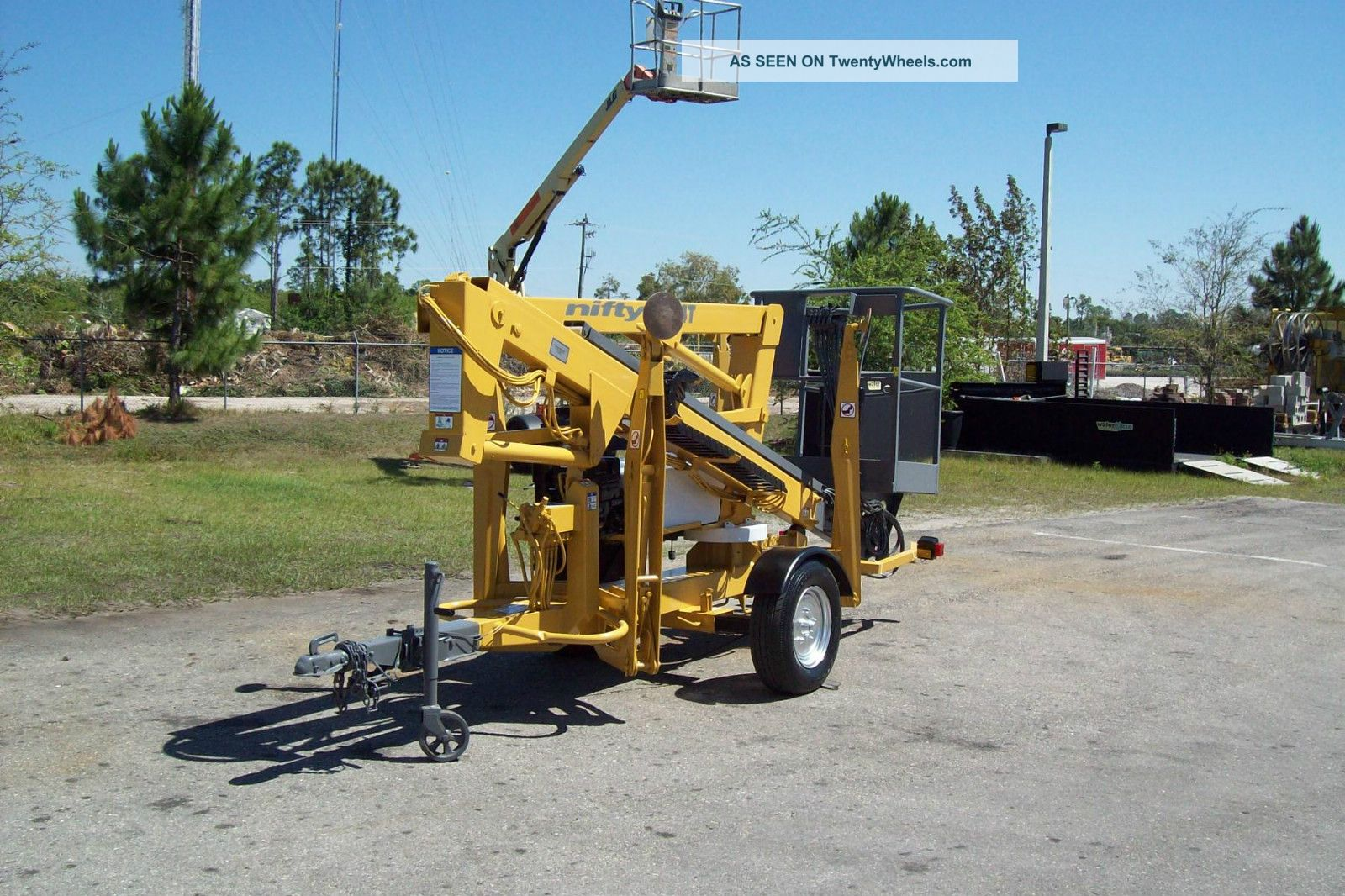 Battery Bucket Lift : Nifty tm t telescopic boom lift  working height gas