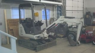 Bobcat 322 Mini Excavator Very,  Great Shape photo