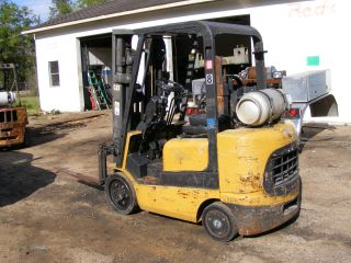 Caterpillar Forklift photo