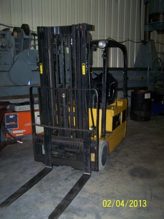 Caterpillar Forklift Fc 35 photo