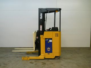 2003 Yale Reach Lift Truck 4000 Lb Capacity Electric Forklift Order Picker 22