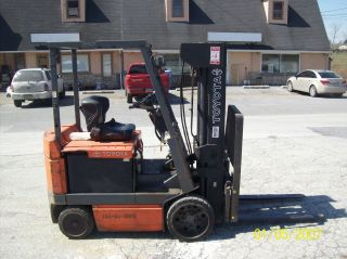 2000 Toyota 5000 Lb.  Electric Forklift 525 photo