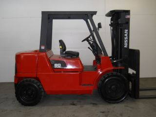 2004 Nissan 8000lb Capacity Forklift Lift Truck Pneumatic Tire Triple Stage Mast photo