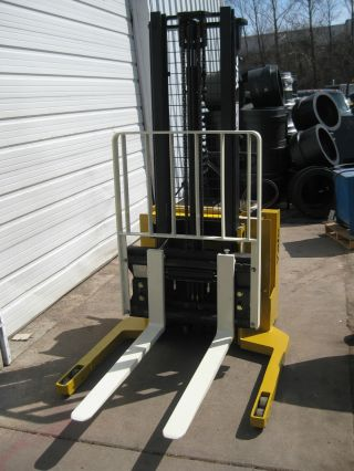 Yale Msw 030 Electric Walkie Stacker Forklift W/2010 Battery & Built - In Charger photo