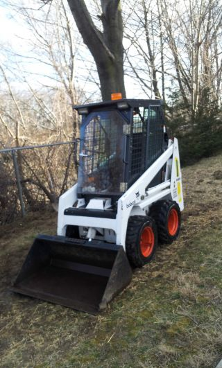 Bobcat 440b With Low 450 Hours Perfect Condition photo