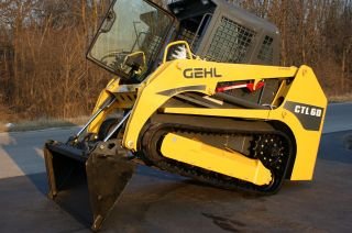 3 Daynoreserve 07 Gehl Ctl60 Takeuchi Caterpillar Bobcat Deere Look photo