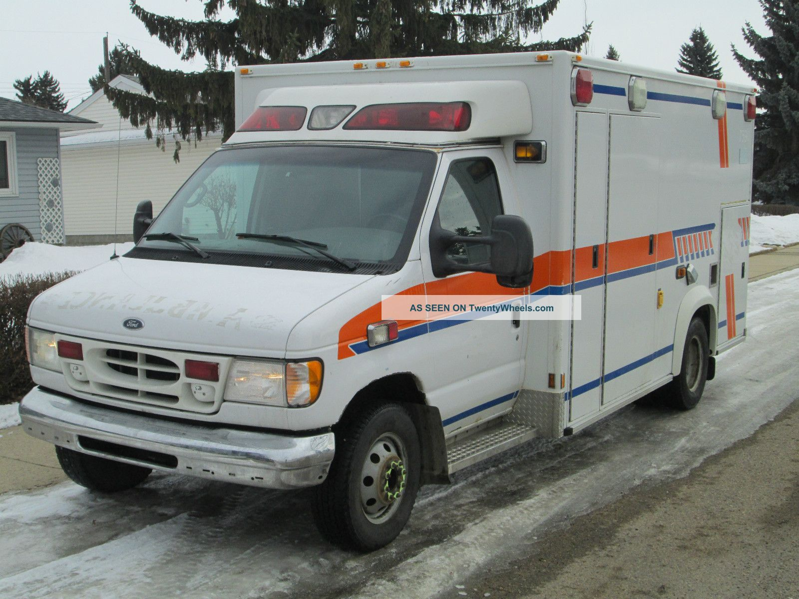 2002 Ford E - 450 Diesel Ambulance - Emergency Vehicle Emergency & Fire Trucks photo