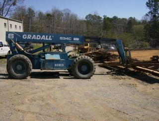 Gradall Telescoping Reach Lift photo