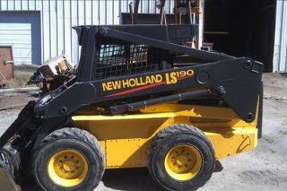 2004 Holland Ls190 Skid Steer photo
