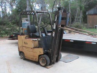Yale Fork Lift photo