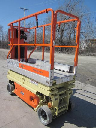 2004 Jlg 1930es Scissor Lift Manlift Boom Aerial Genie photo
