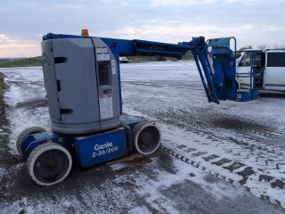 Genie Z3020n Boom Lift photo