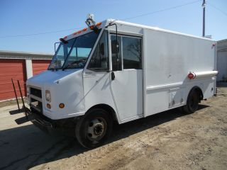 1999 Gmc P3500 14 ' Body Financing Available photo