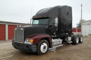 1999 Freightliner Fld Financing Available photo