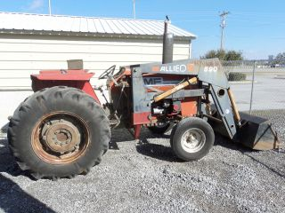 Massey Ferguson 275 Tractor With Loader photo