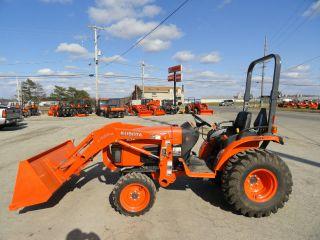 Kubota B3200hsd Tractor,  B3200 Hsd,  Kubota,  B Series W/loader photo