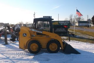 John Deere 315 Skid Steer Loader photo