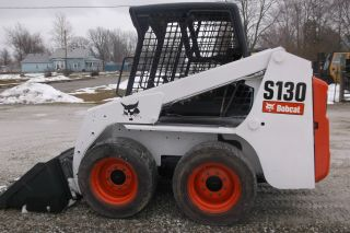 Bobcat S130 Skid Steer Loader photo