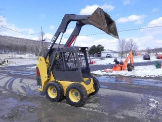 2006 Volvo Mc60 Skid Steer Loader Kubota Diesel Tires Aux Hyds 49.  5hp photo