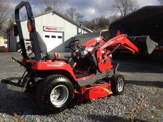 Massey Ferguson Gc2400 4wd Tractor & Loader & 54
