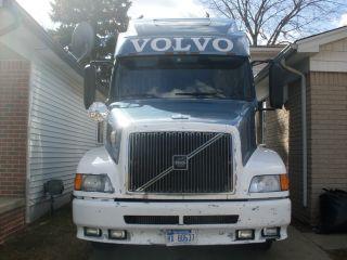 1999 Volvo 770 photo