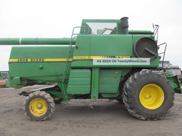 John Deere 7720 Titan 2 Combine Combines photo