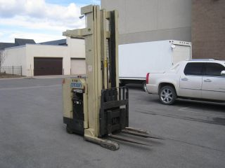 Crown Reach Truck Forklift Stand Up Ride On 36 Volt photo