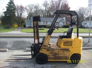 1986 Hyster 4000 Lb.  Forklift 528 photo