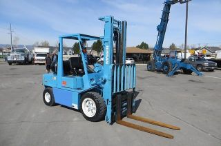 Cng Forklift Nissan 60 Side Shift,  Fork Positioners,  5,  400 Lb Natural Gas photo