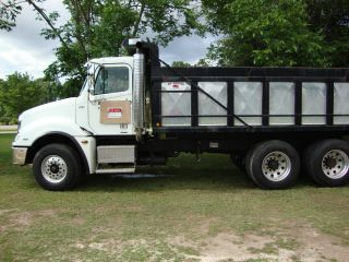 2005 Freightliner photo