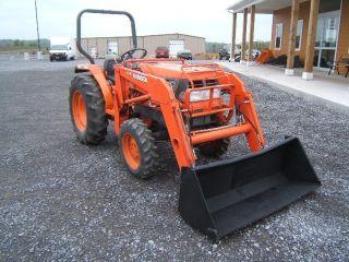 Kubota L2900 Gst Tractor photo