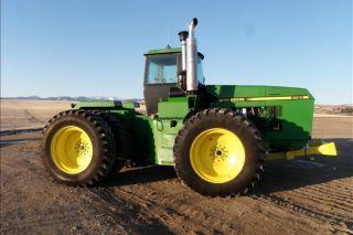 1992 John Deere 8760 Tractor photo