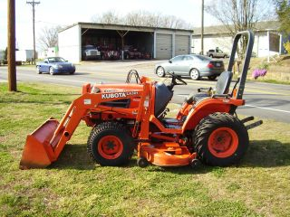 Kubota B 1700 4 X 4 Loader Mower Tractor photo