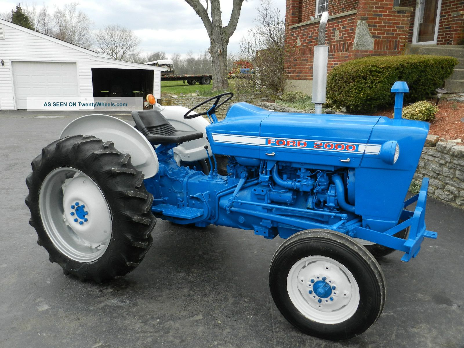 Ford 2000 Tractor - Gas - 1826 Hours - Tractors photo